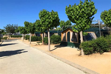 Camping in Benidorm with Comanches - Camping Villasol